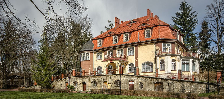 Foto: Sławomir Milejski – wikipedia.org (CC BY-SA 3.0 pl) – Pałac Muchów