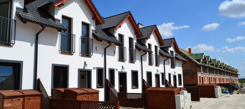 Kolejne domy w Rodzinnym