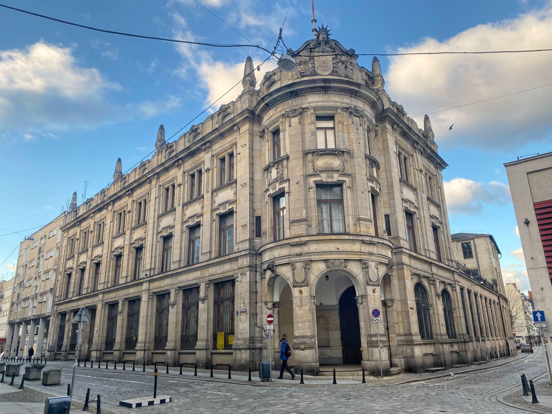 Wrocław: Ruszyła nadbudowa zabytkowego gmachu banku na Starym Mieście