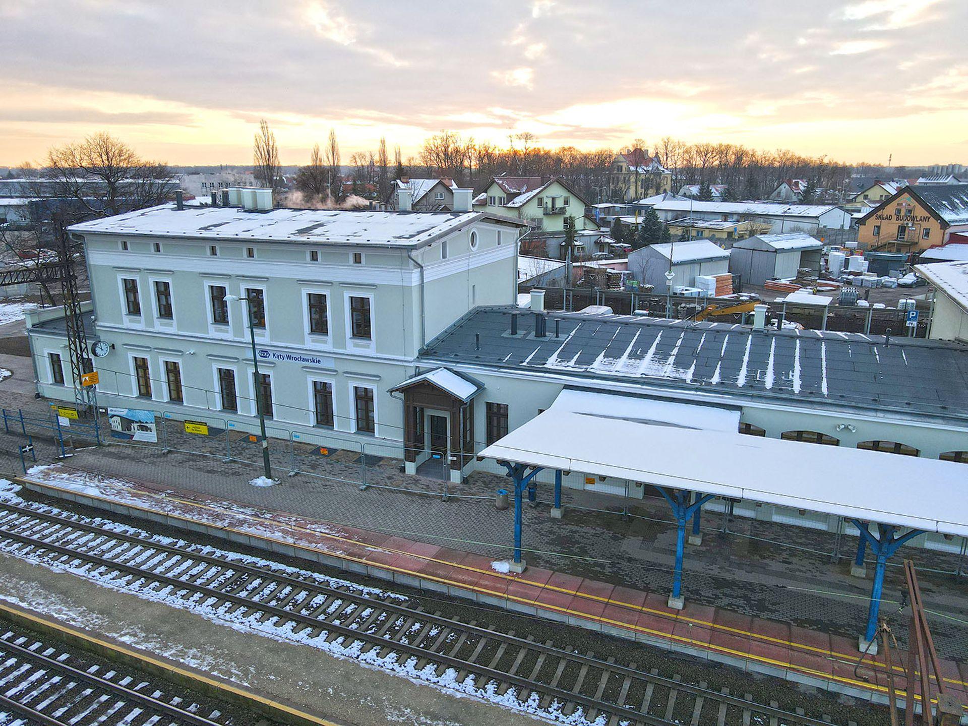 Zaawansowane prace przebudowy dworca kolejowego w Kątach Wrocławskich