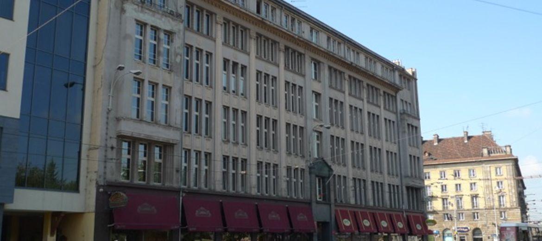 Urzędowe budynki sprzedane. Magistrat