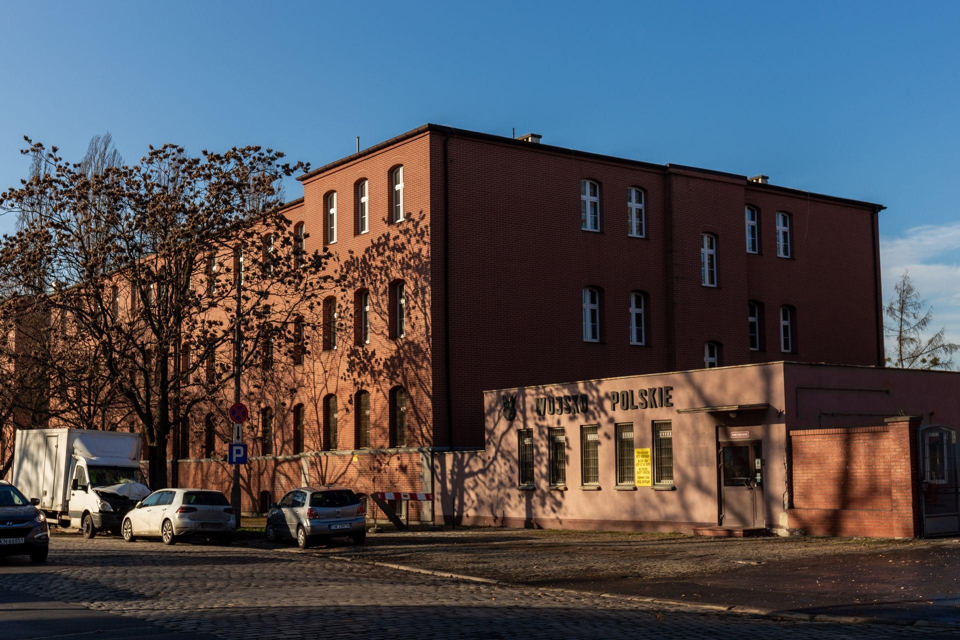 Wrocław: AMW przebuduje budynki dawnej, zabytkowej jednostki wojskowej na Szczepinie. Przeniesie tam siedzibę