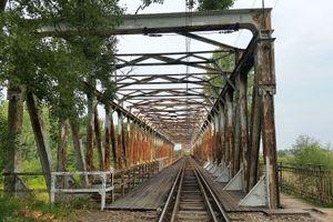 Sprawniejsze przejazdy koleją z Wrocławia w kierunku Jelcza i Opola. Rusza modernizacja mostów i wiaduktów