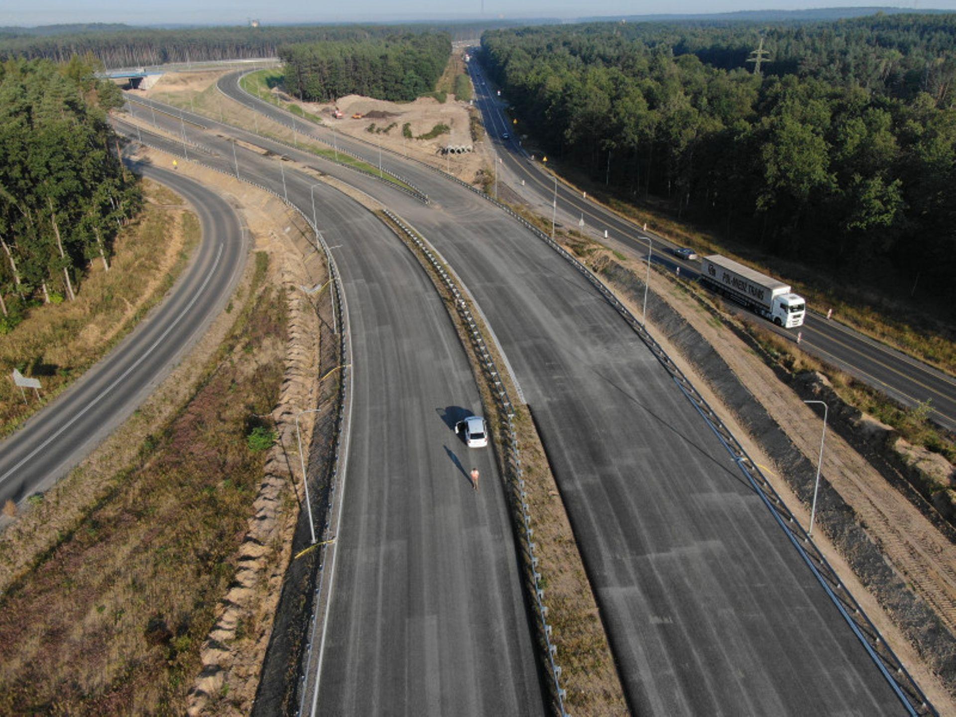 Trwa budowa brakującego odcinka drogi S3 z Lubina do Polkowic. Pojedziemy nim częściowo jeszcze w tym roku