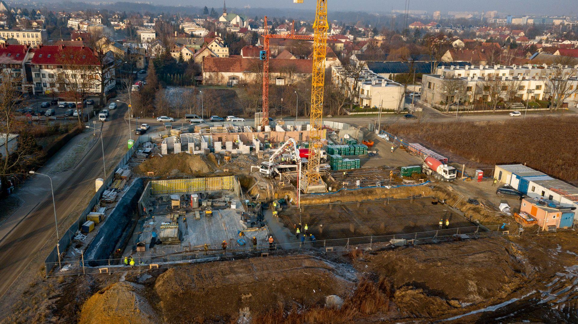 Wrocław: Małe Wojszyce od LC Corp w budowie. W ofercie dwupoziomowe mieszkania z tarasami [FOTO]