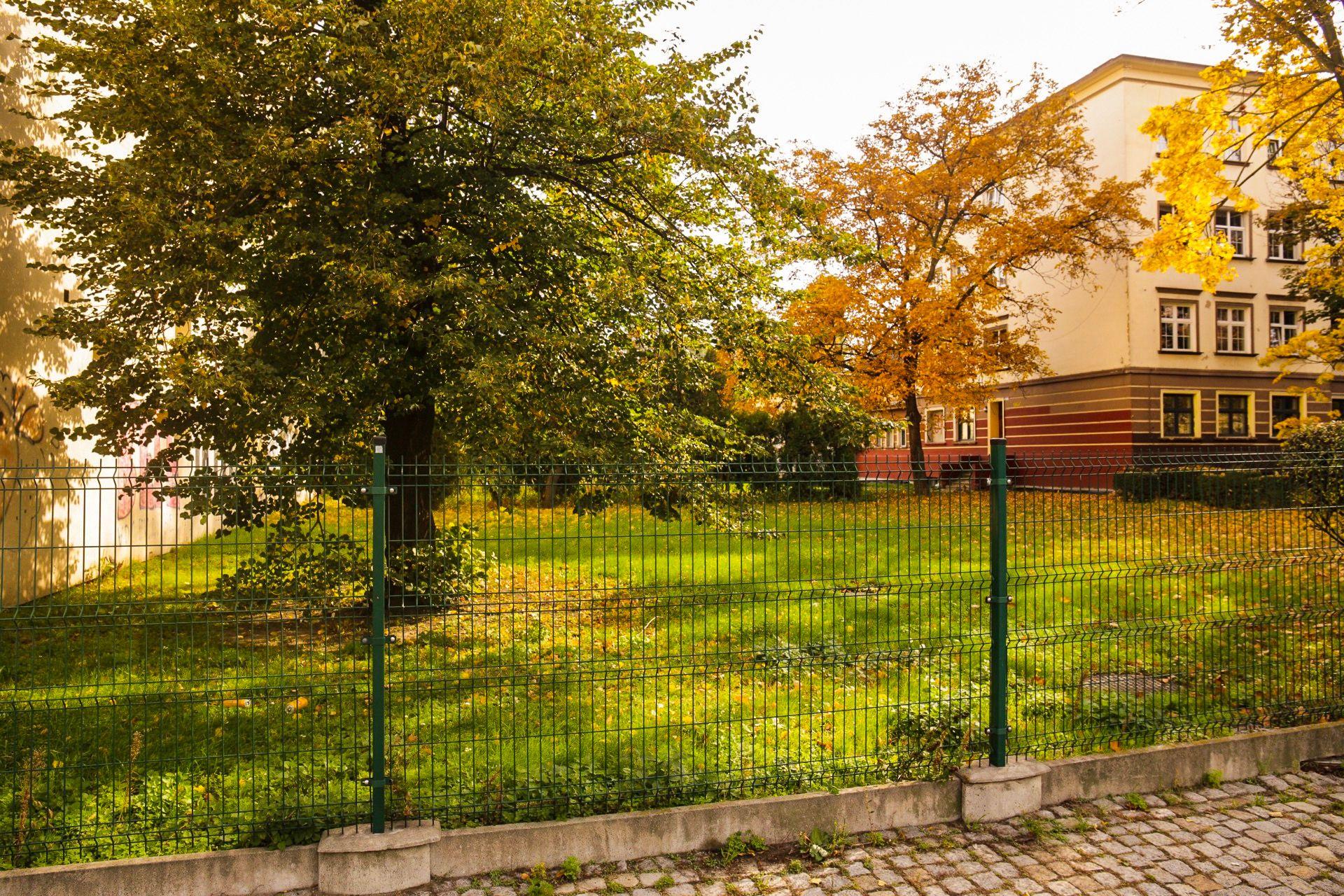 Wrocław: Temar zbuduje apartamentowce na Ołbinie. Wylicytował obie miejskie działki przy szkole