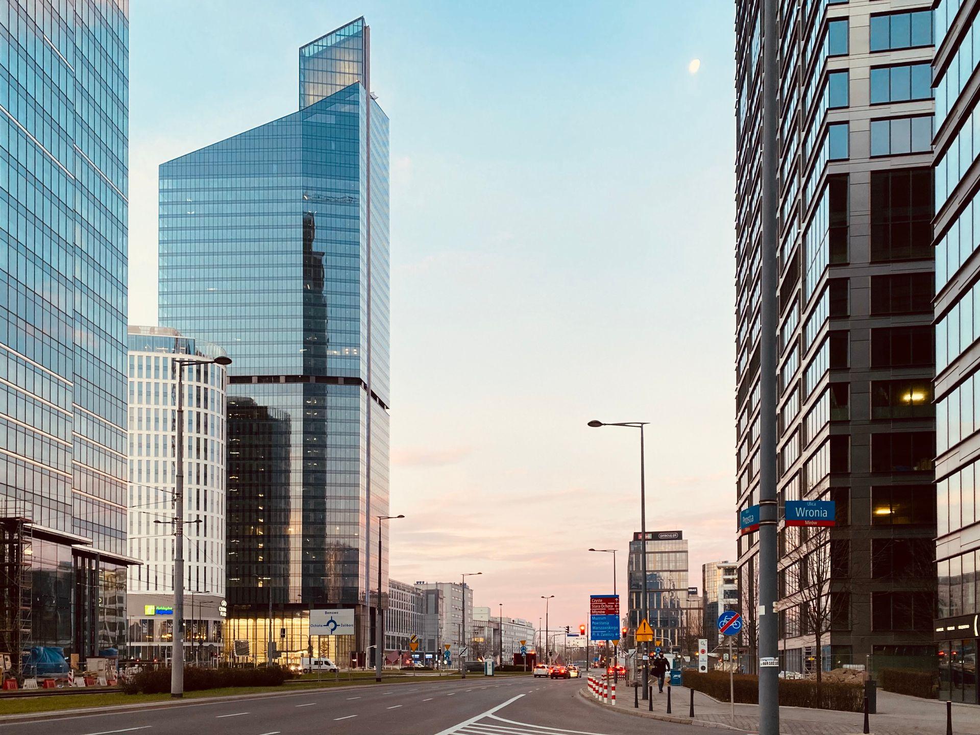 Warszawa: Amerykańska firma przenosi swoją siedzibę do Skylinera