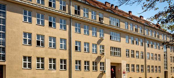 Krajowa Szkoła Skarbowości otworzy filię we Wrocławiu. Przebuduje zabytkowy urząd skarbowy