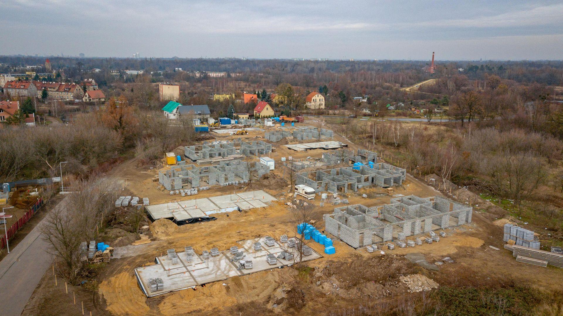Wrocław: Dębowe Aleje – Sagaris buduje blisko 50 domów na Księżu Wielkim [WIZUALIZACJA]