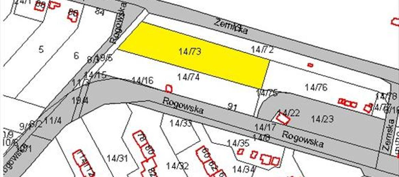 Na żółto zaznaczono oferowaną działkę (źródło: materiały przetargowe Urzędu Miejskiego we Wrocławiu)