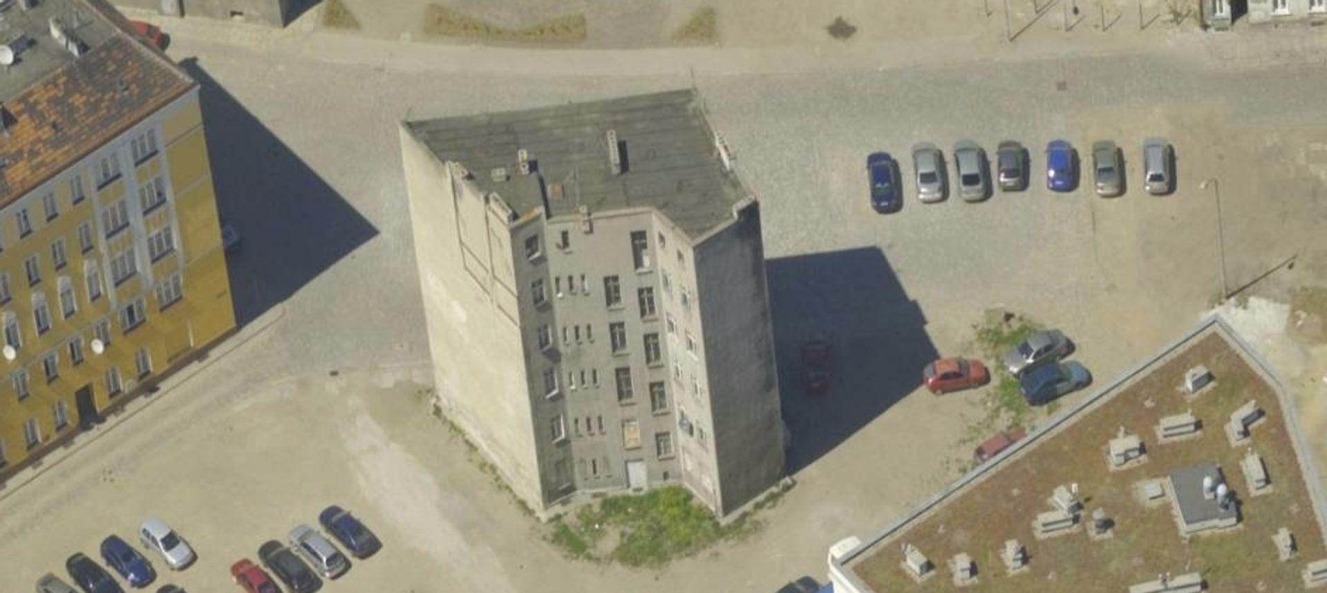 [Wrocław] Kamienica, która zagrała u Spielberga, sprzedana. Z ogromną przebitką