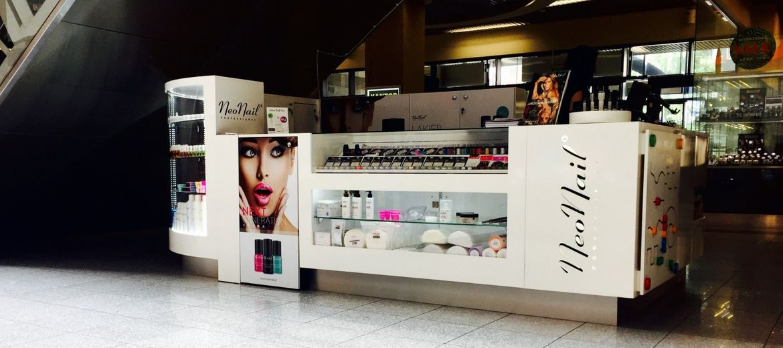 Stoisko kosmetyków w galerii