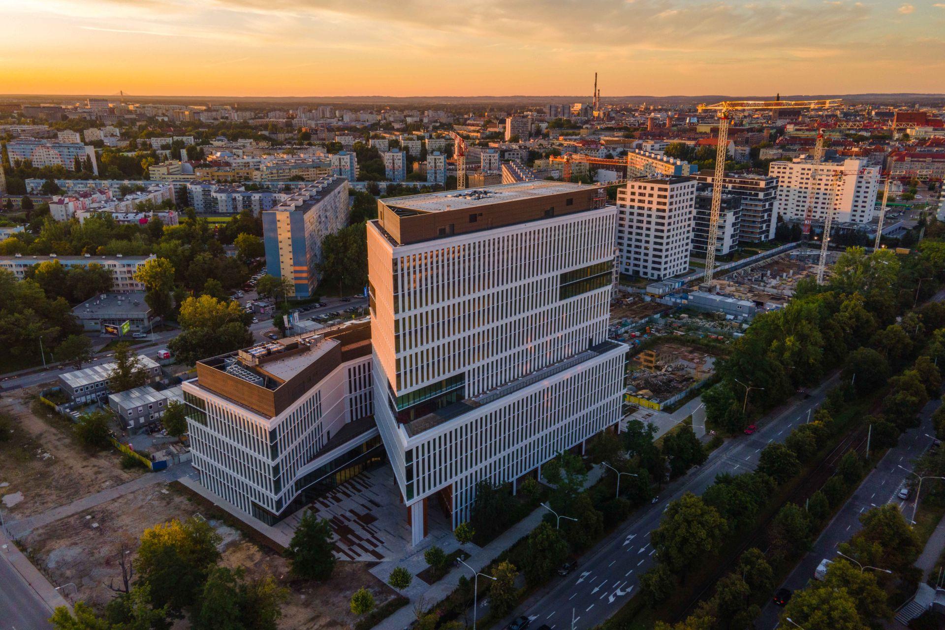 Biurowy Wrocław powiększy się w tym roku tylko o 50,4 tys. mkw. [RAPORT]