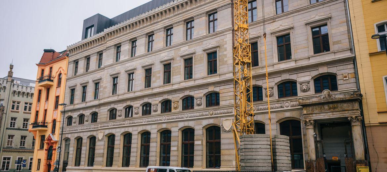 Nowy hotel przy placu