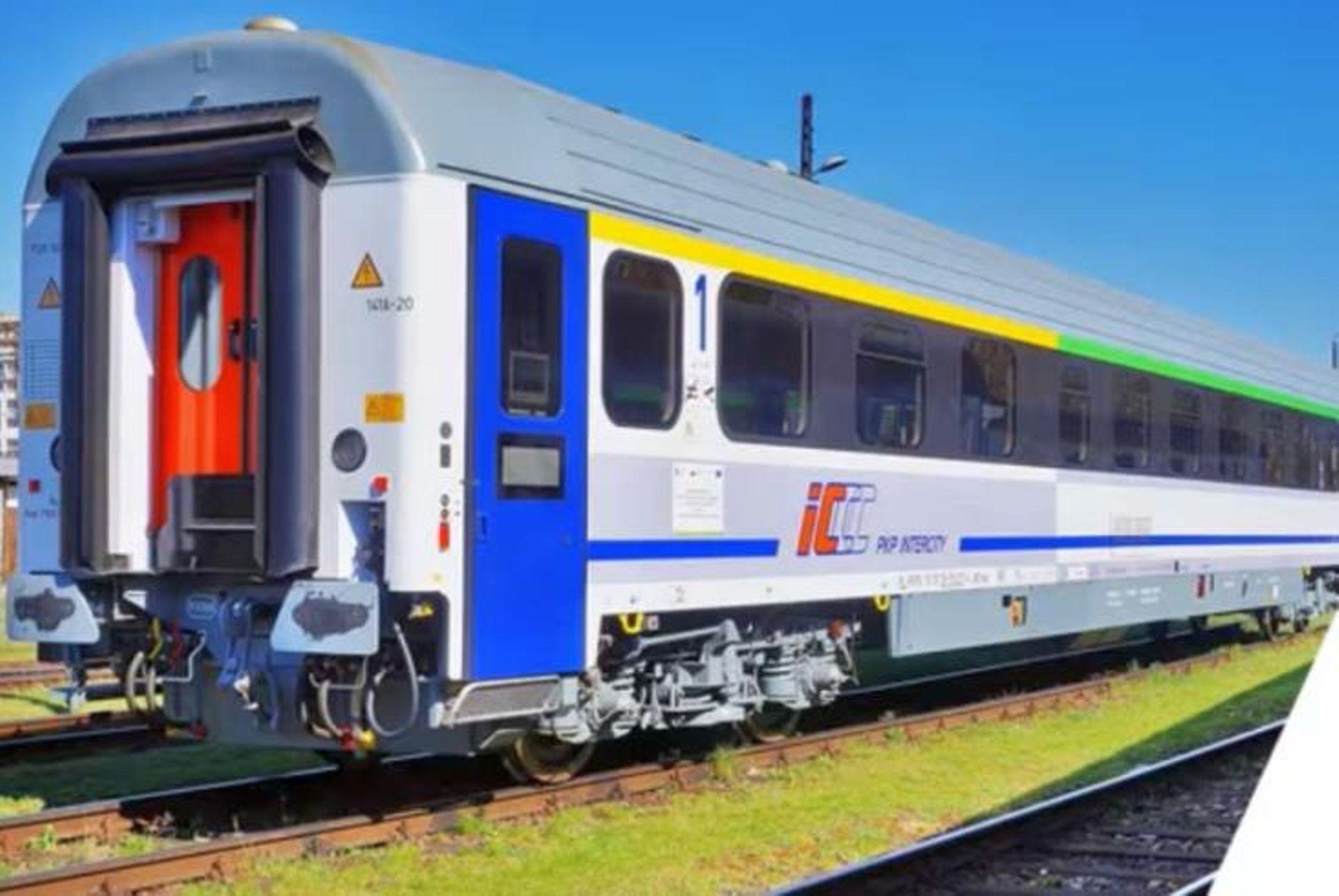 Po Polsce jeździ już 60 nowoczesnych wagonów PKP Intercity