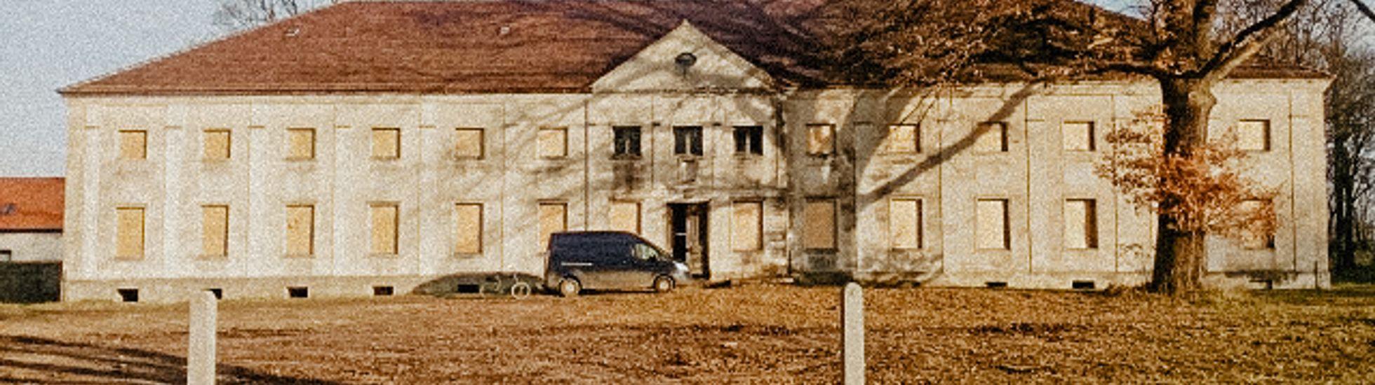Zabytkowy pałac w Krzywiczynach czeka na nowego inwestora