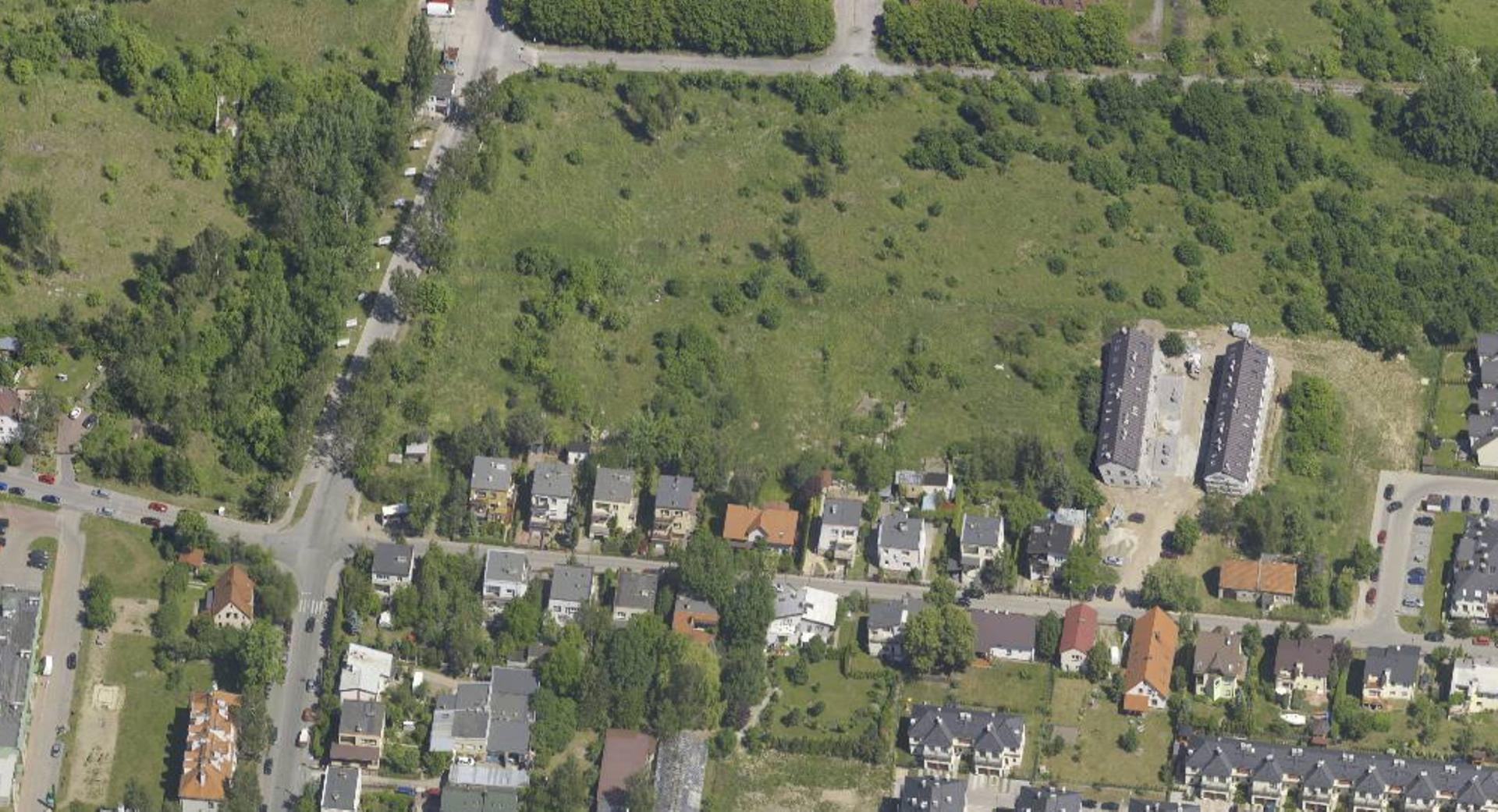 Wrocław: Miasto sprzeda działkę na Maślicach pod osiedle. Mieszkańcy obawiają się o dojazd