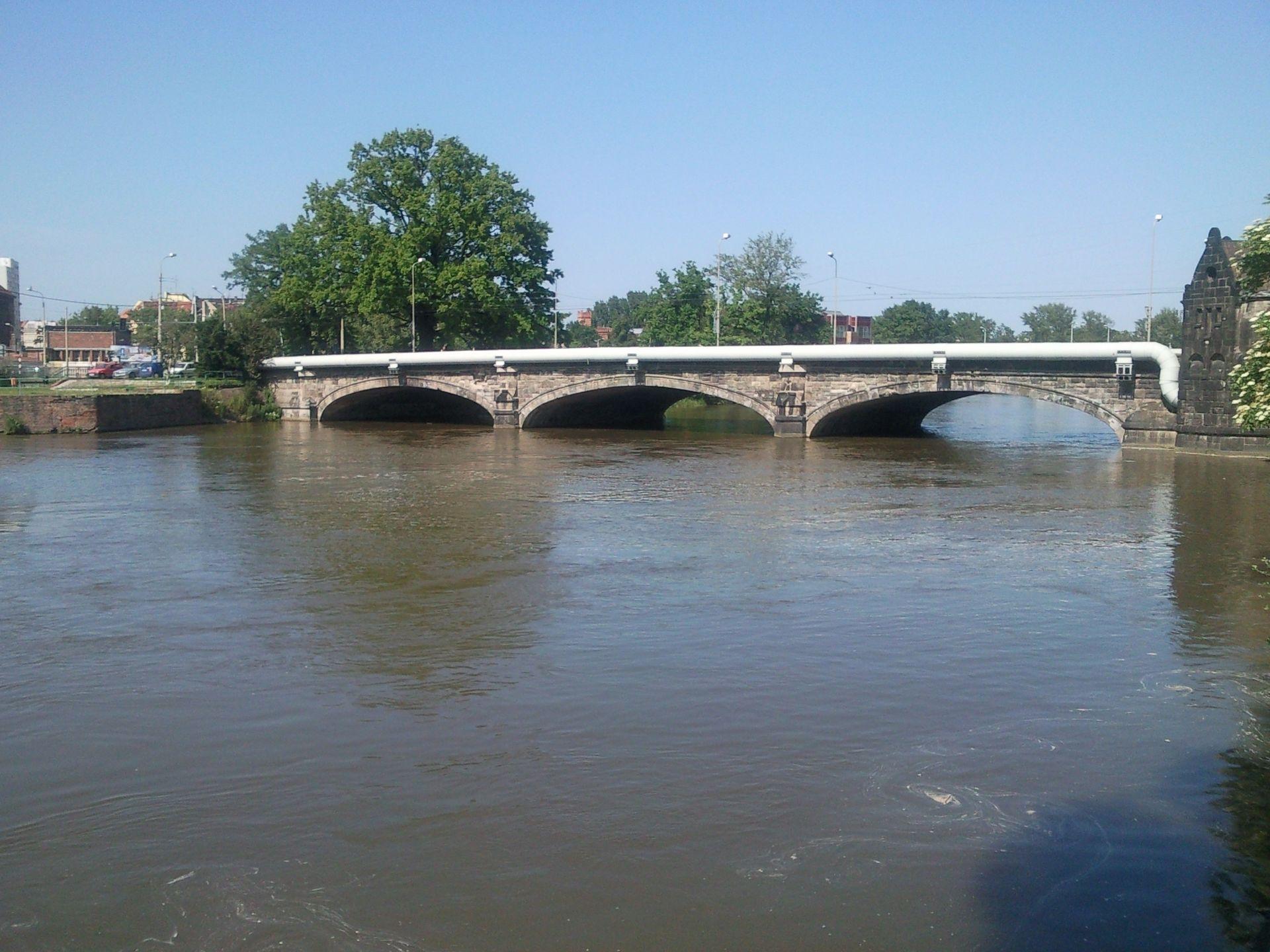 Wrocław: Włoska firma przełoży rurę z mostu Pomorskiego. Oferta tańsza niż ostatnio