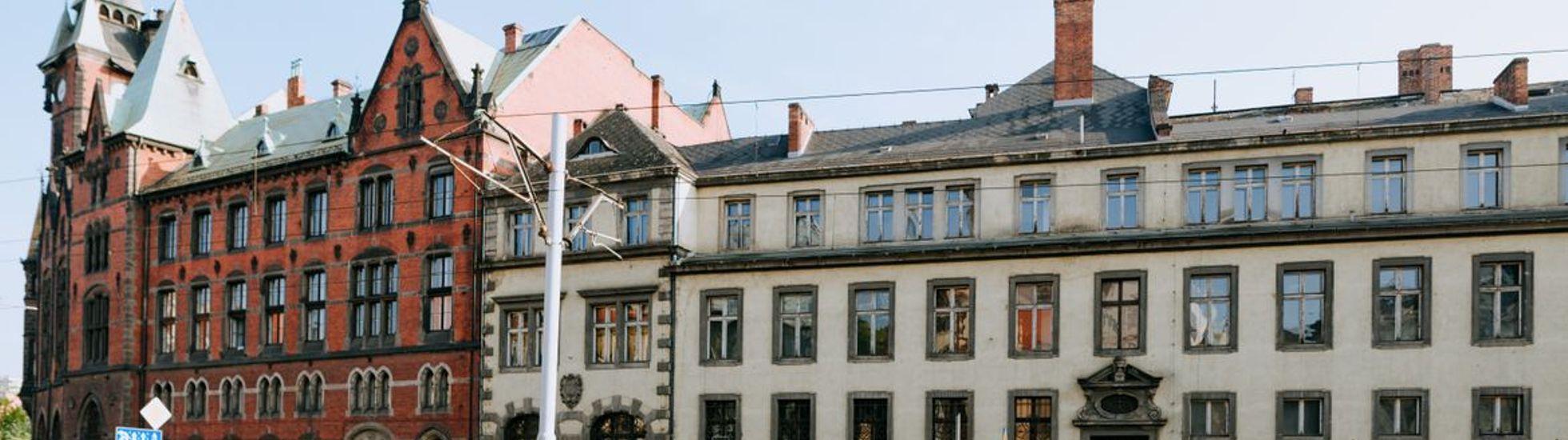 Połowiczny sukces Uniwersytetu Wrocławskiego. Jest chętny na pałac, na bibliotekę nie
