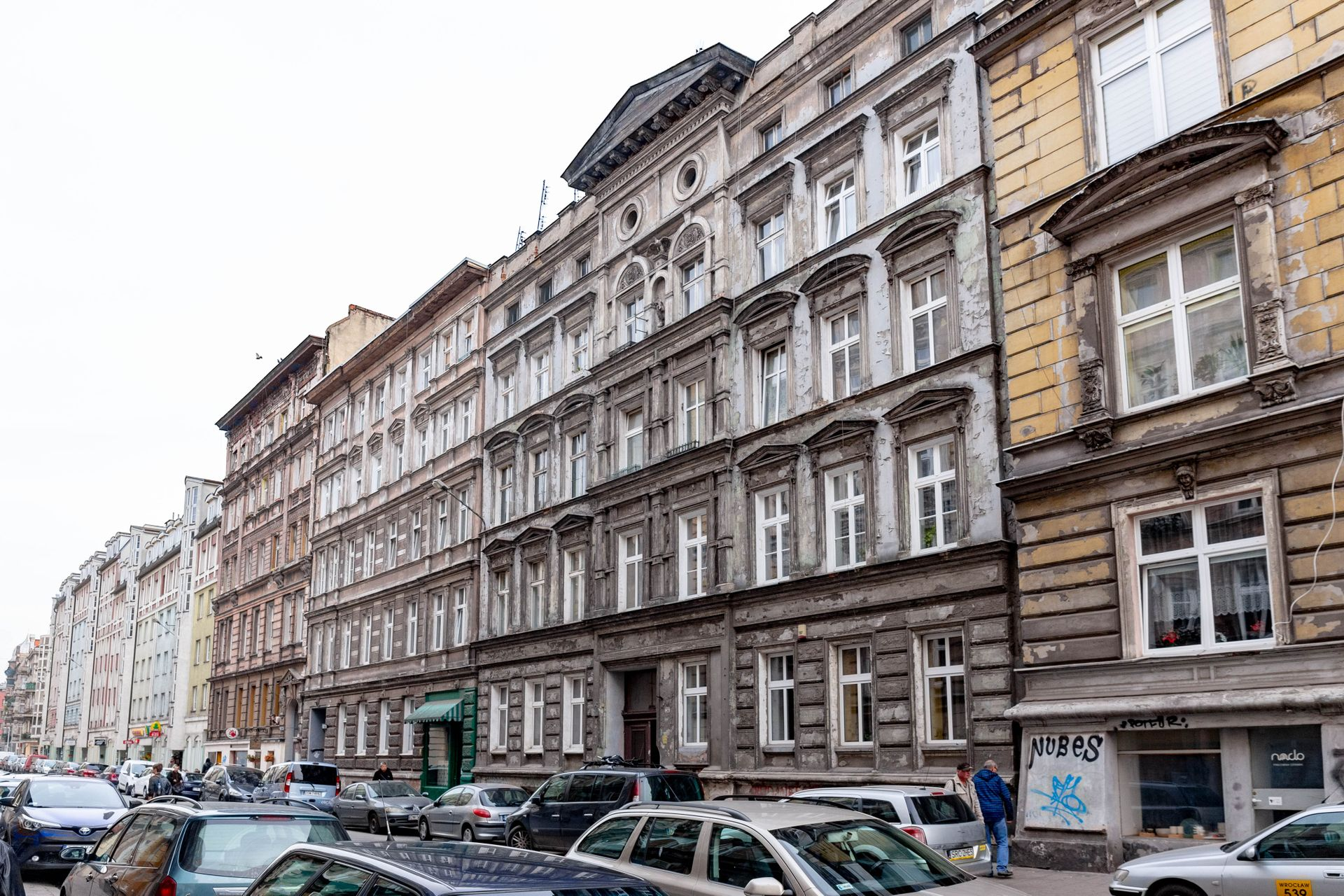 Wrocław: Miał być remont, będzie sprzedaż. Zabytkowa kamienica trafi w ręce dewelopera