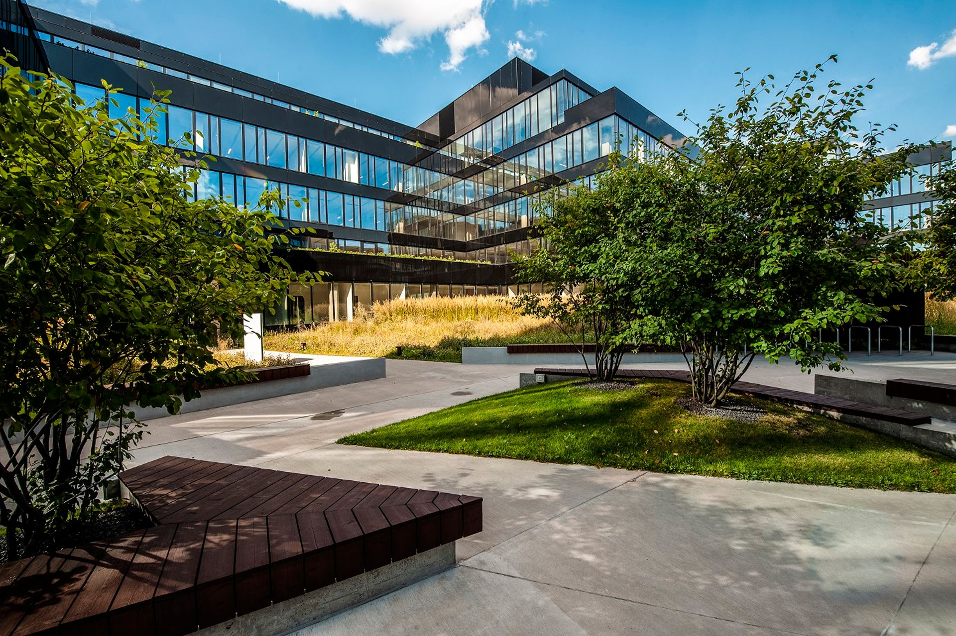 Kompleks biurowy Neopark w Warszawie sprzedany