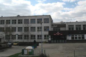 Wrocław: Miasto szykuje się do przebudowy zespołu szkół na Muchoborze Małym