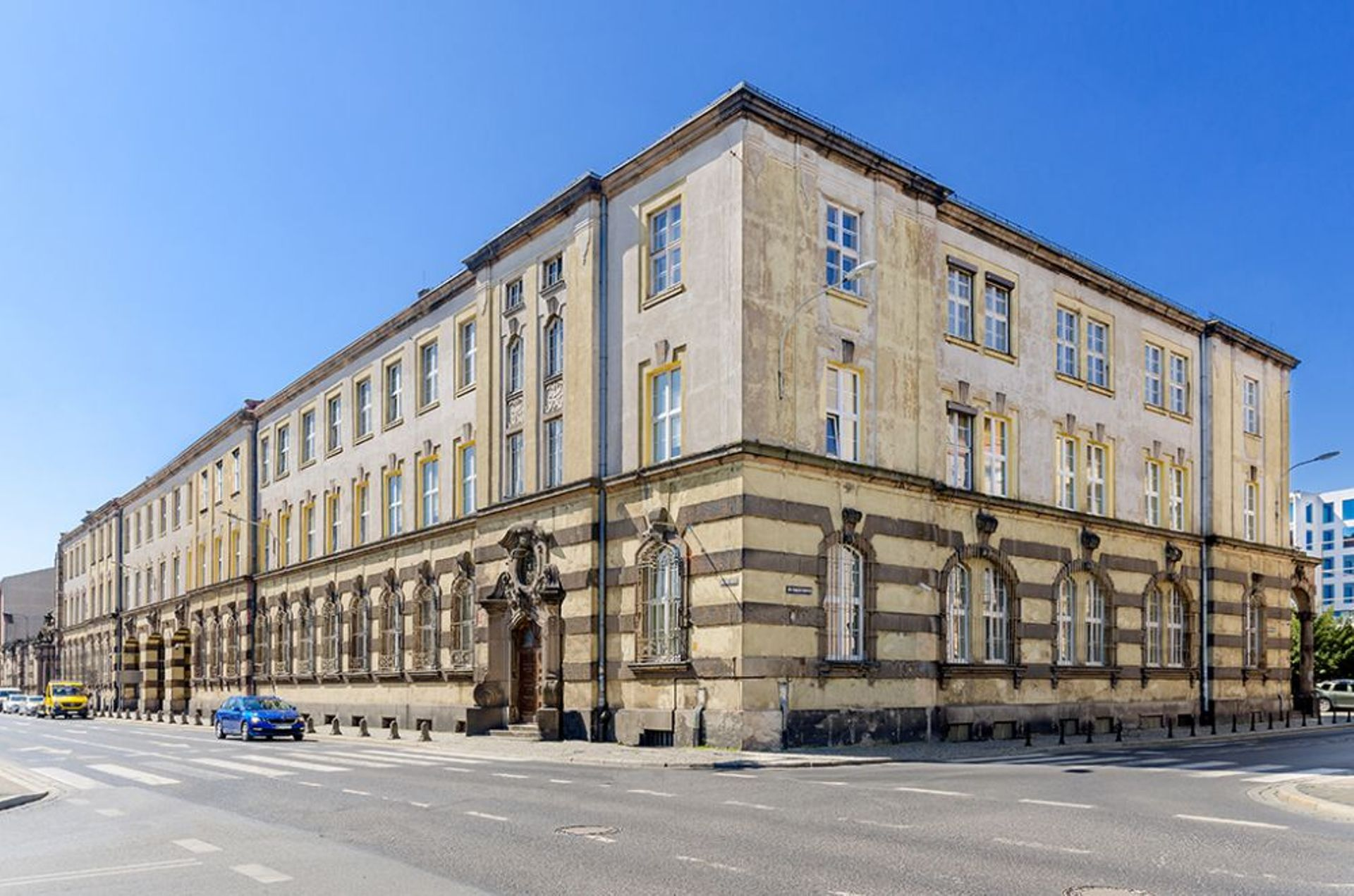 Wrocław: Biura, hotel, czy akademik? Orange sprzeda zabytkowy gmach w ścisłym centrum