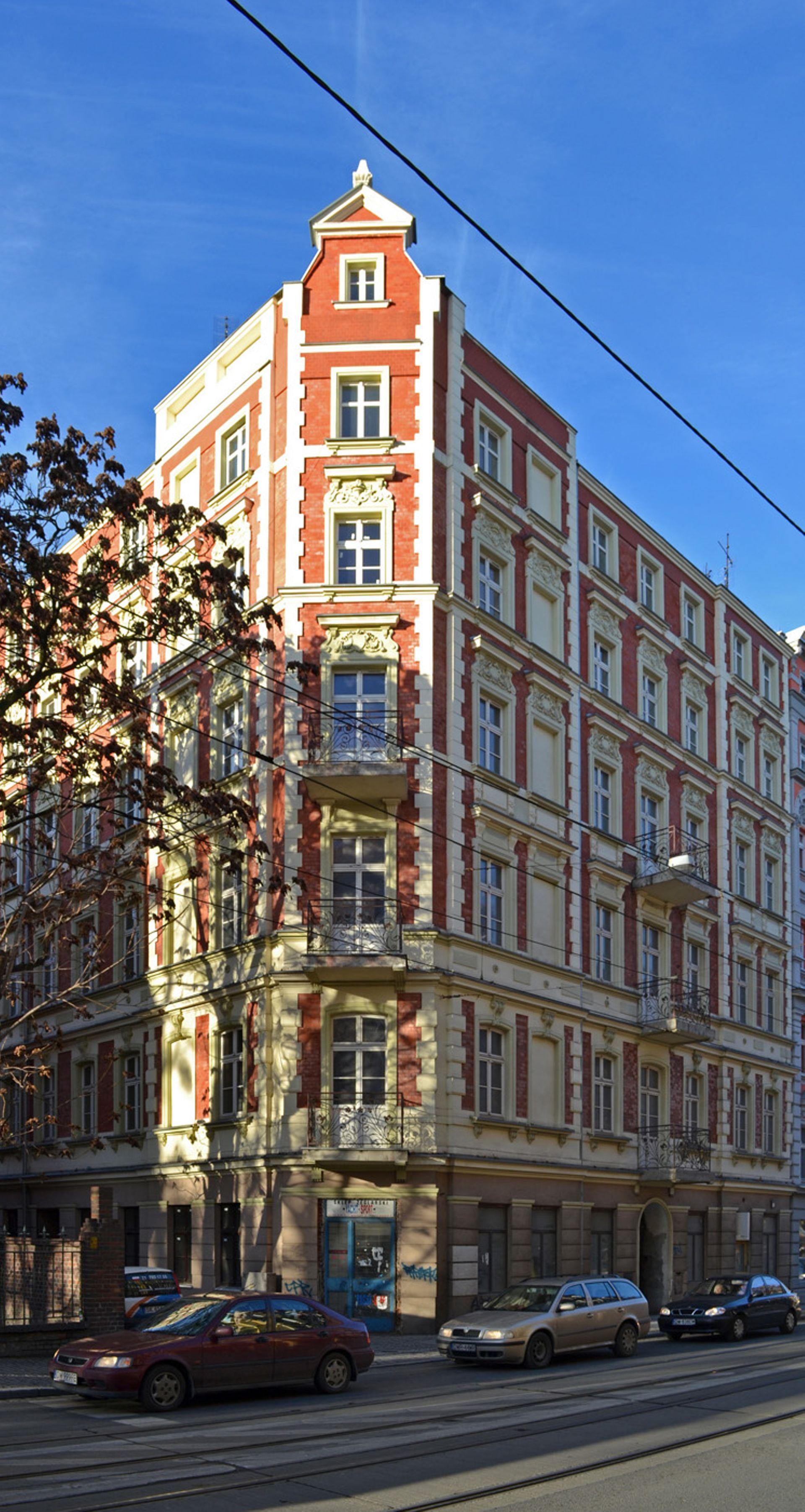 Wrocław: Miasto sprzeda zabytkową kamienicę w sąsiedztwie dawnego szpitala na Nadodrzu