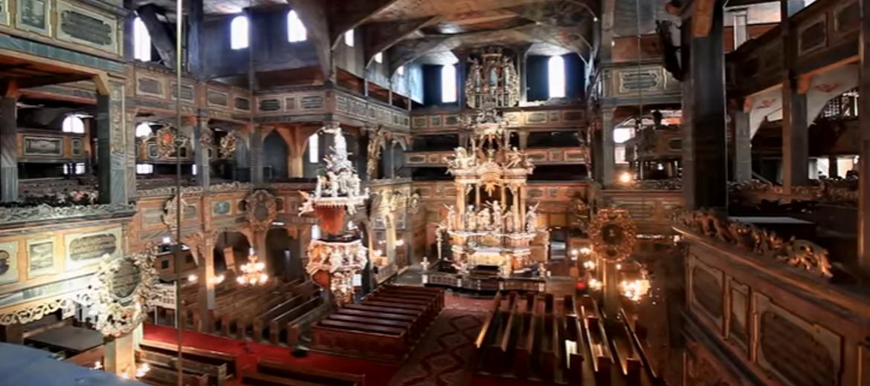 Wnętrza zabytkowego Kościoła Pokoju w Świdnicy (foto: youtube.com)
