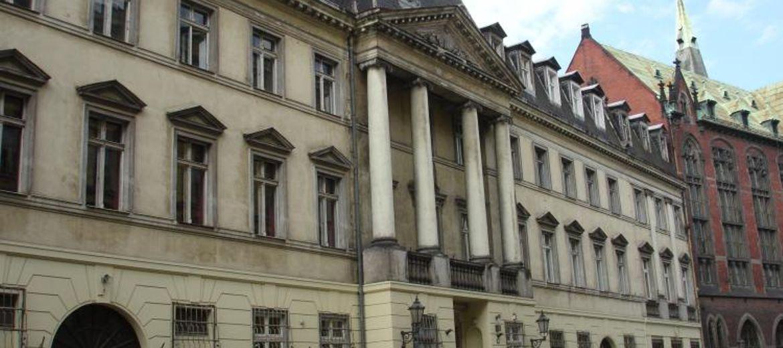 Uniwersytet sprzedaje zabytkowy pałac