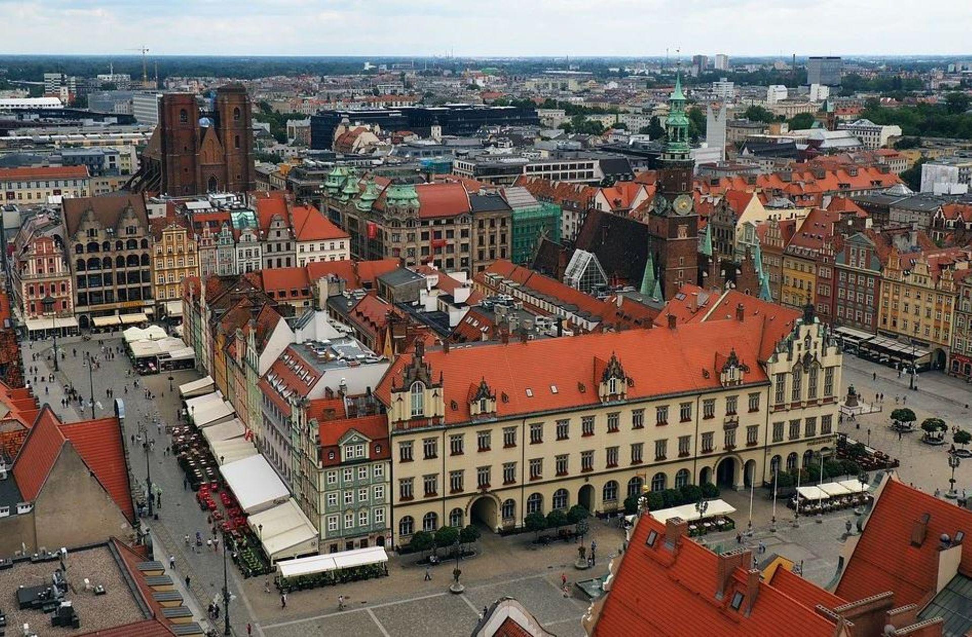 Rynek hotelowy na tle rozwoju nowoczesnej powierzchni biurowej we Wrocławiu
