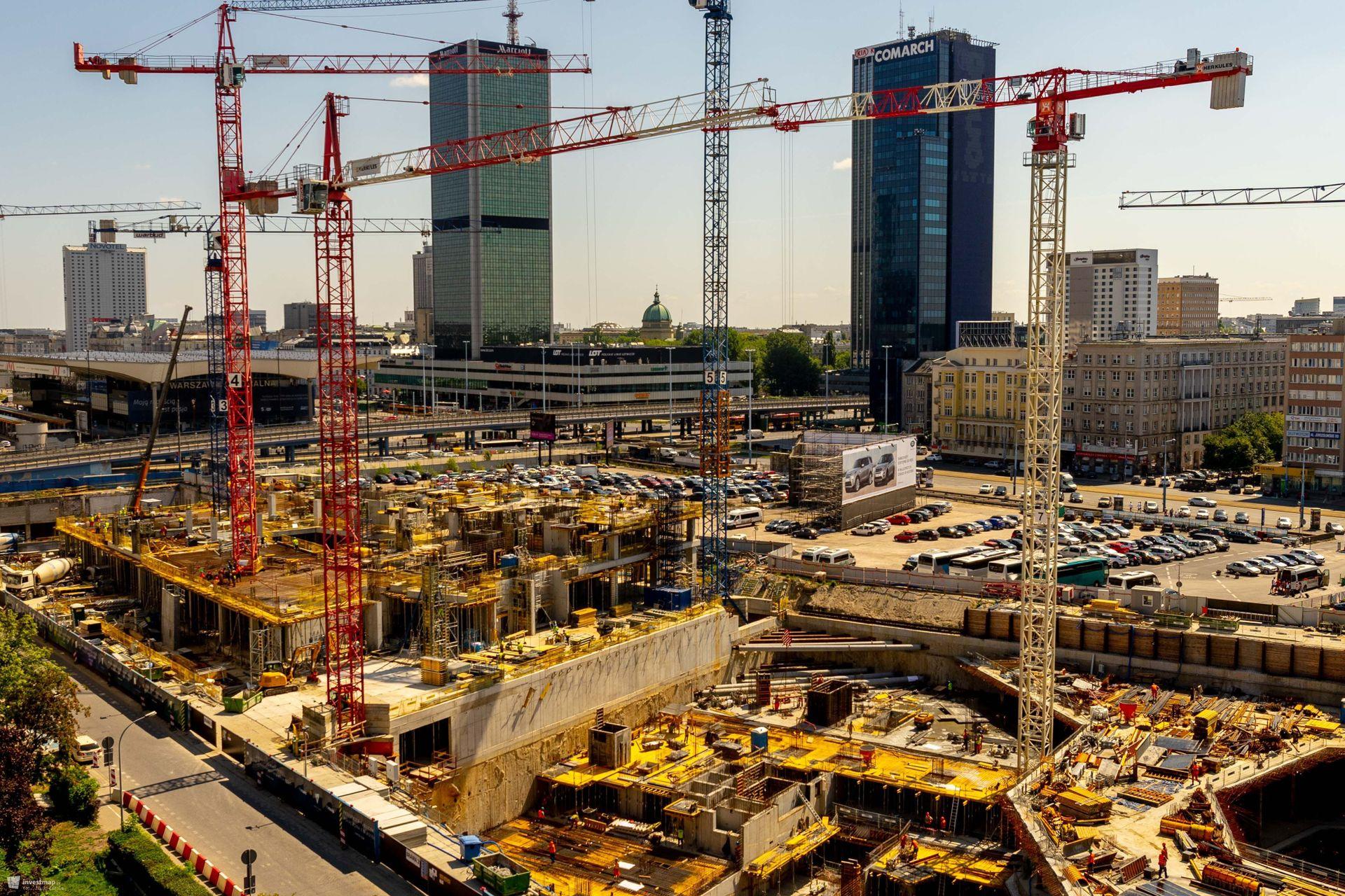 Warszawa: Najwyższy żuraw w Polsce stanął na budowie Varso Tower