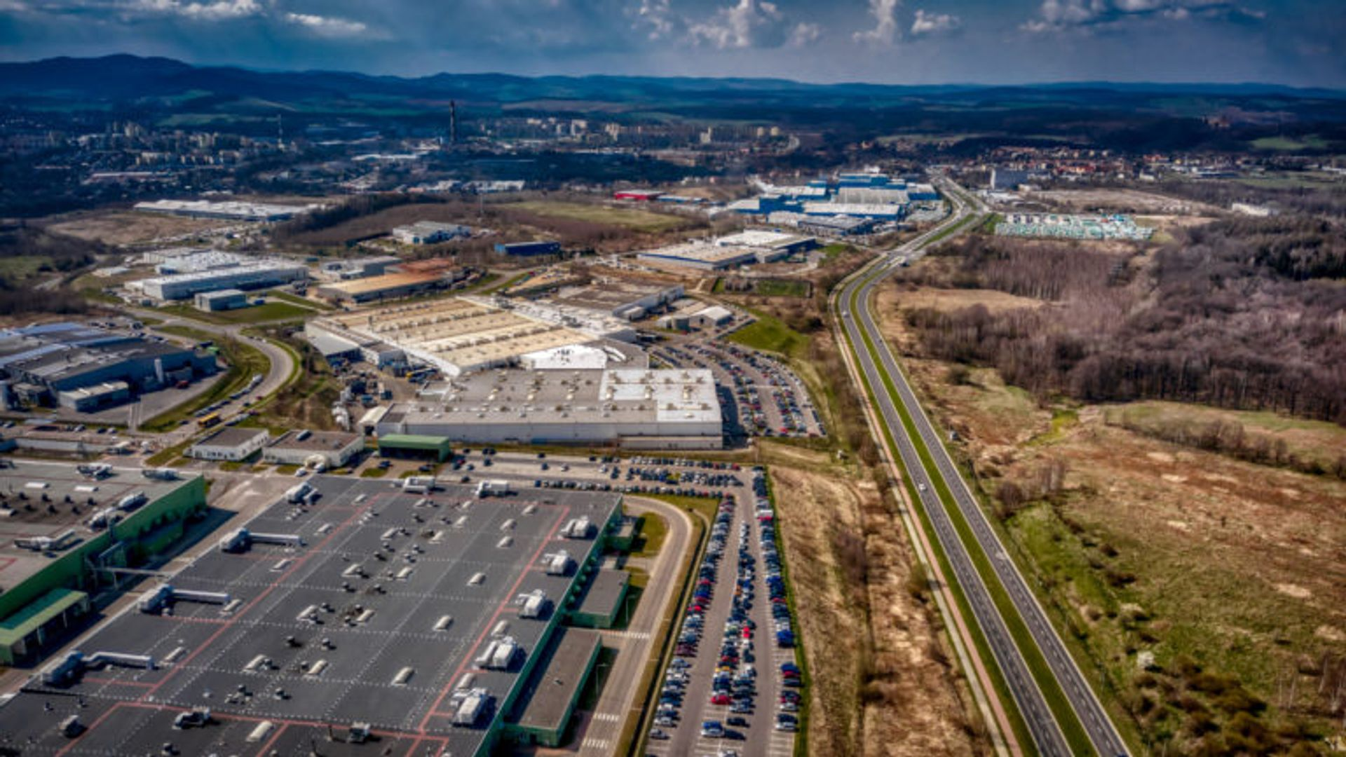 WSSE Invest-Park: Blisko 3000 nowych miejsc pracy oraz ponad 3,5 mld złotych nakładów inwestycyjnych